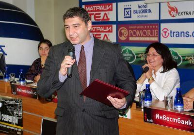 Александър Асенов с наградата